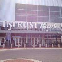 9/30/2012 tarihinde Dan O.ziyaretçi tarafından INTRUST Bank Arena'de çekilen fotoğraf