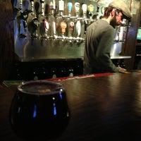 Foto tomada en SOHA Bar & Grill por Lux E. el 1/15/2013