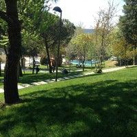 Foto scattata a Maçka Demokrasi Parkı da Reyhan Y. il 4/27/2013