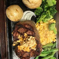 Foto diambil di Ikinari Steak oleh Matt L. pada 5/26/2018