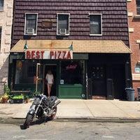 Das Foto wurde bei Best Pizza von Joel E. am 6/12/2014 aufgenommen