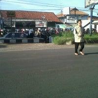 Foto tirada no(a) Jalan Raya Cileunyi por Nurrani R. em 1/21/2013