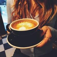 Photo prise au Cafe Grumpy par Сусик le2/7/2015