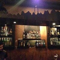รูปภาพถ่ายที่ Zincir Bar โดย Nezih I. เมื่อ 1/25/2013
