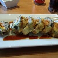 Photo prise au The Sushi On Sunset par Paco G. le10/10/2013