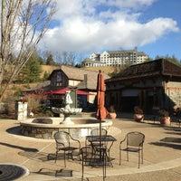 Снимок сделан в Antler Village At Biltmore Estate пользователем Maury M. 12/18/2012