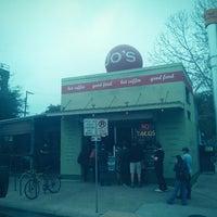 Das Foto wurde bei Jo's Coffee von Jason P. am 3/9/2013 aufgenommen