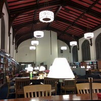 Foto scattata a The Burke Library at Union Theological Seminary da Thomas N. il 12/9/2014