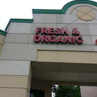 Das Foto wurde bei Fresh & Organic von Deanna S. am 7/22/2013 aufgenommen