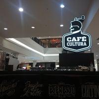 Снимок сделан в Café Cultura пользователем Roger F. 7/24/2017