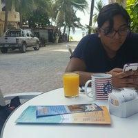 Foto diambil di Popol Vuh Restaurante oleh Lourdes R. pada 7/24/2016