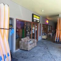 Foto scattata a Odysseys Surf School da James C. il 2/4/2013