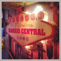 Foto tirada no(a) Barrio Soho por Raph C. em 3/26/2013