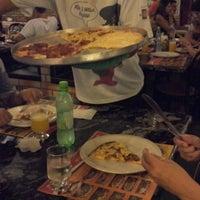 Foto tirada no(a) Pizza D'oro por Gilberto G. em 12/26/2012
