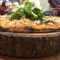 9/29/2018 tarihinde Azoo Z.ziyaretçi tarafından Zucca Pizza'de çekilen fotoğraf