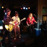 Photo prise au Proud Larry's par Rob C. le1/11/2013