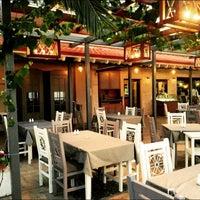 Foto tirada no(a) Kalamatianos Seafood Restaurant por Kalamatianos S. em 6/6/2015
