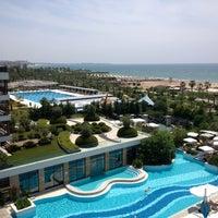 5/8/2013 tarihinde Alun W.ziyaretçi tarafından Sensimar Side Resort & Spa'de çekilen fotoğraf