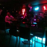 Foto tirada no(a) Veni Vidi por Turgay 🎣⚓️🚤 T. em 12/29/2012