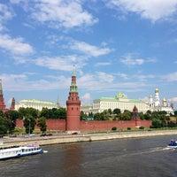 Photo prise au Bolshoy Kamenny Bridge par Elena B. le6/30/2013