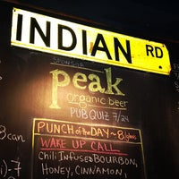 Photo prise au Indian Road Café par Zach Peak P. le7/25/2013