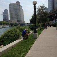 6/9/2013 tarihinde Jessica N.ziyaretçi tarafından Chicago Riverwalk'de çekilen fotoğraf