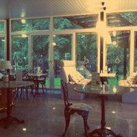 """Das Foto wurde bei Кафе """"Веранда в парке"""" von Marry M. am 6/7/2013 aufgenommen"""