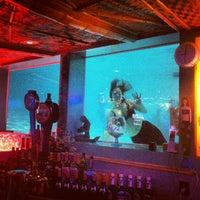 รูปภาพถ่ายที่ Sip 'n Dip Lounge โดย Alanya C. เมื่อ 2/24/2013