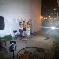 Foto tirada no(a) Ámbar Galería-Cinema-Café por Arturo H. em 10/14/2018