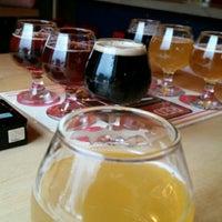 9/29/2014 tarihinde Kent C.ziyaretçi tarafından Red Leg Brewing Company'de çekilen fotoğraf