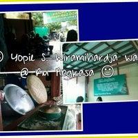 Снимок сделан в Gado Gado Tengku Angkasa пользователем Yopie S. 3/24/2013