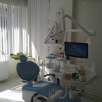 9/24/2013 tarihinde Mutlu D.ziyaretçi tarafından Diş Hekimi Serkan ZEYBEK - Diş Kliniği'de çekilen fotoğraf