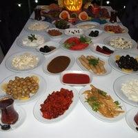 Снимок сделан в Kasr-ı Van Kahvaltı ve Kahve Evi пользователем Bayram T. 12/23/2012