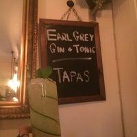 Foto tomada en Urban Tea Rooms por Zoey Z. el 7/8/2016