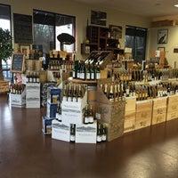 Foto scattata a Rumbleseat Wine da Douglas F. il 11/25/2015