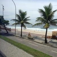 Foto tirada no(a) Praia do Pepino por Priscila B. em 3/21/2013