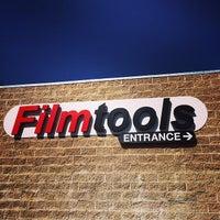 รูปภาพถ่ายที่ Filmtools โดย Joshua C. เมื่อ 5/17/2014