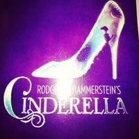 Foto tirada no(a) Cinderella on Broadway por David G. em 2/23/2013