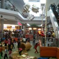 Das Foto wurde bei Centro Las Americas von Esau F. am 12/25/2012 aufgenommen