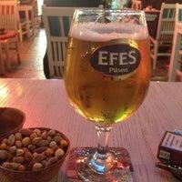 Das Foto wurde bei Seven Pub & Bistro von Yalçın E. am 5/13/2013 aufgenommen