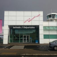 Foto tirada no(a) City of Derry Airport (LDY) por Rue em 3/23/2015
