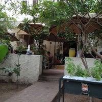 รูปภาพถ่ายที่ La Cafetería โดย Luis R. เมื่อ 10/14/2012