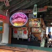 Foto tirada no(a) Fogarty's and Flying Monkey's por John K. em 12/21/2012