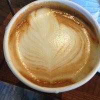12/30/2012 tarihinde Irinaziyaretçi tarafından One Shot Cafe'de çekilen fotoğraf