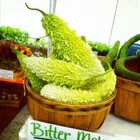 Foto tomada en 14th and U Farmer's Market por Anna J. el 9/15/2012