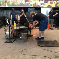 Photo prise au Ignite Glass Studios par Katie R. le10/20/2019