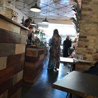 รูปภาพถ่ายที่ RIST Kaffebar โดย L B. เมื่อ 6/20/2017