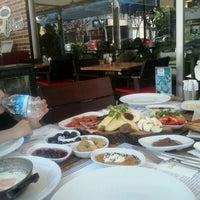 Foto diambil di Caffé Dolce Nero oleh Selen pada 6/14/2015