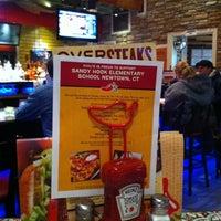 Foto diambil di Chili's Grill & Bar oleh Laura F. pada 1/3/2013