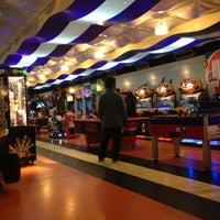 3/29/2013 tarihinde Bahtın A.ziyaretçi tarafından Shey Bowling & Cafe'de çekilen fotoğraf